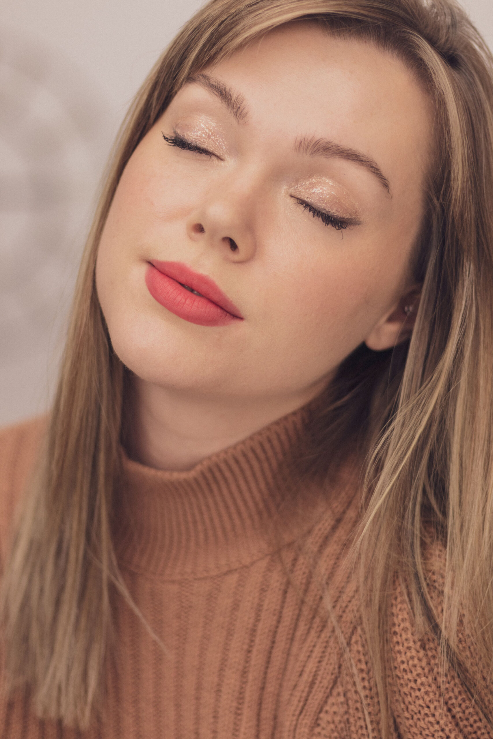 Daytime Wearable Red Lipstick Makeup Look-1